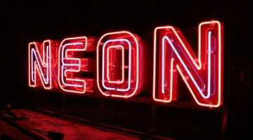 Advantages of the neon signs